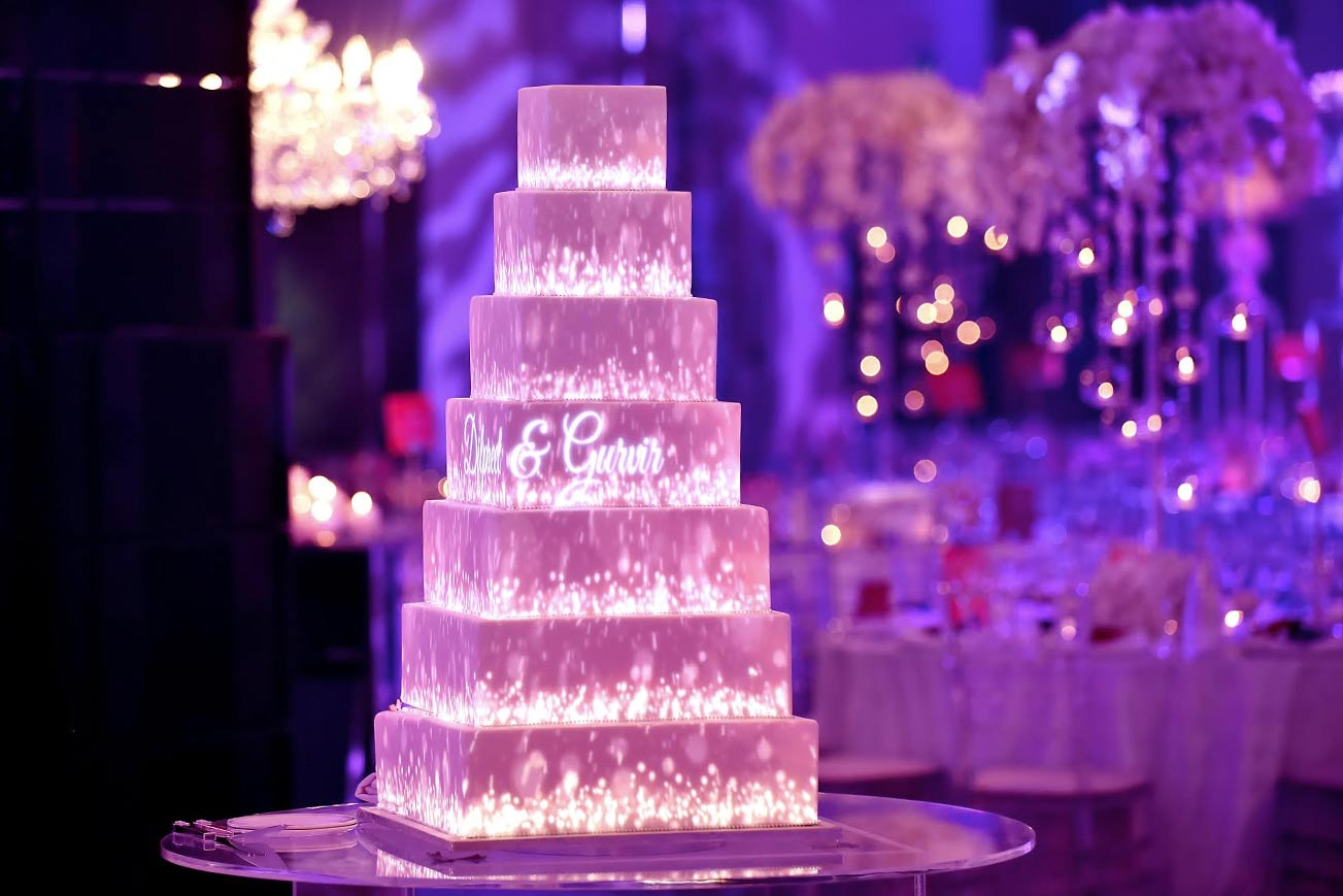 D Wedding Cake Projection